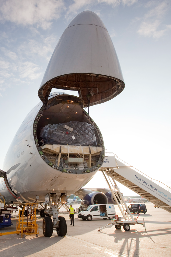 cargo aircraft hatch loading